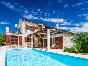 Villa Eterna