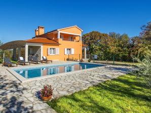 Villa Topid