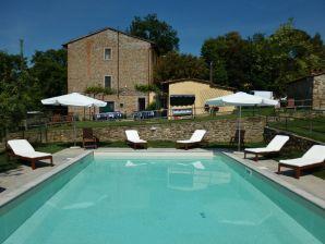 Holiday apartment I Cipressi - Agriturismo La Tinaia