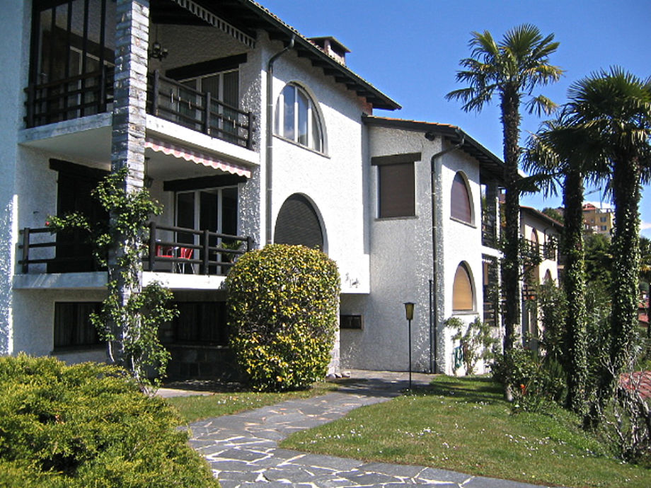 "Eingang zum Haus ""La Camelia"""
