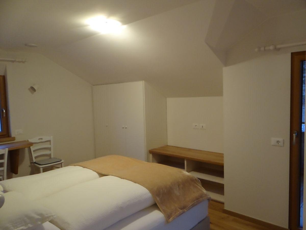 ferienwohnung r s dtirol gadertal firma haus la. Black Bedroom Furniture Sets. Home Design Ideas