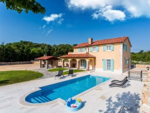 Villa Plasa