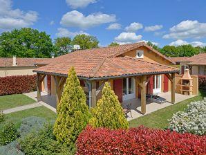 Villa Domaine les Forges Le Bois Senis 4 Personen