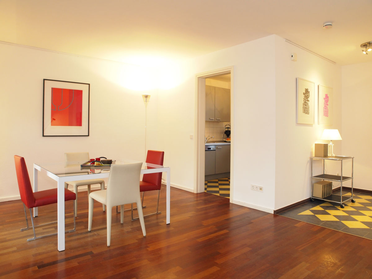 Haus in haus design apartment tusculum usedom frau for Essecke design