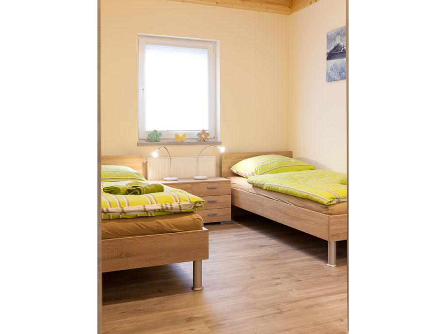 ferienhaus jonas eifel rieden laacher see mayen n rburgring firma eifel see familie. Black Bedroom Furniture Sets. Home Design Ideas