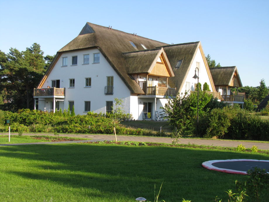 Reetgedachtes Appartmenthaus in ruhiger Lage