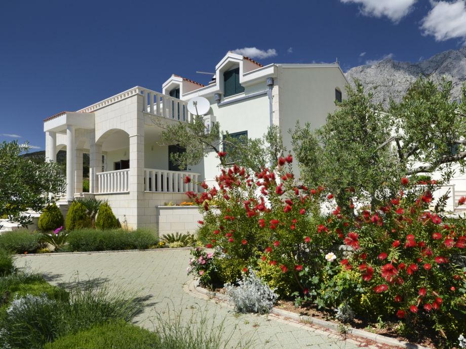 Villa marina pearls of makarska makarska dalmatien for Haus und garten