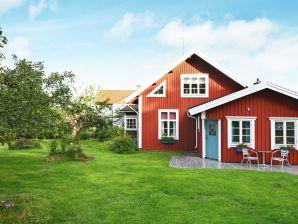 Ferienhaus Hultsfred / Vena, Haus-Nr: 31845