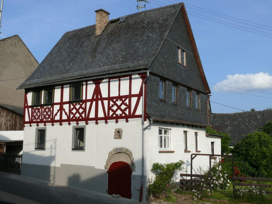Das Alte Patrizierhaus stammt aus dem Jahr 1585.