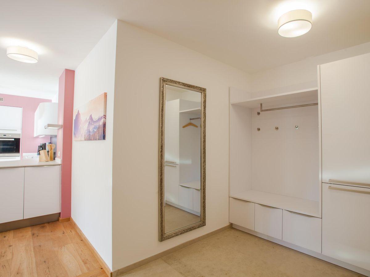 ferienwohnung mountain lodge garmisch partenkirchen firma mahr gmbh firma. Black Bedroom Furniture Sets. Home Design Ideas