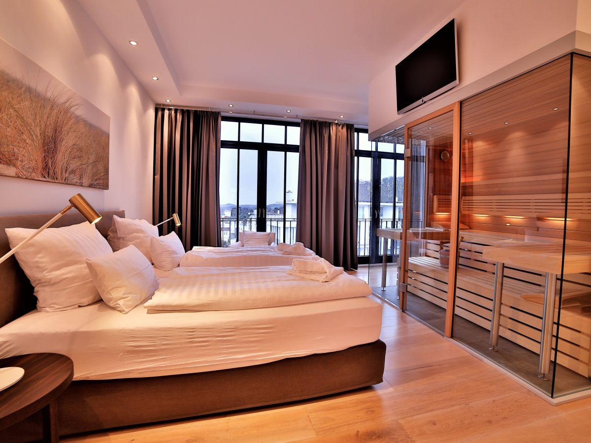 ferienwohnung strandsuite deluxe spa in der villa philine r gen ostseebad sellin herr. Black Bedroom Furniture Sets. Home Design Ideas