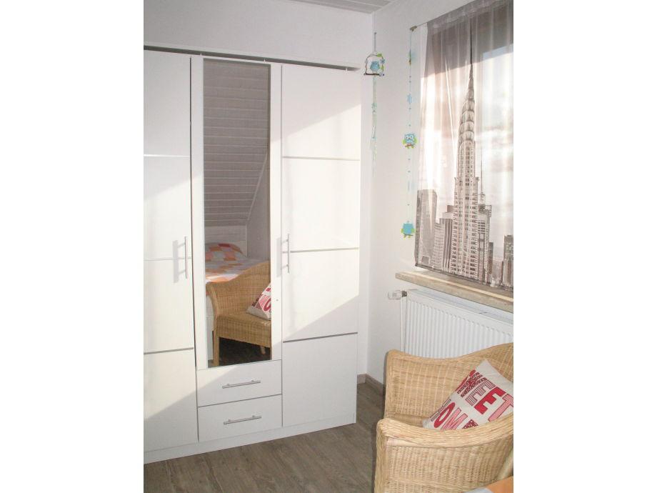 ferienwohnung fynn b sum frau britta kaufmann. Black Bedroom Furniture Sets. Home Design Ideas