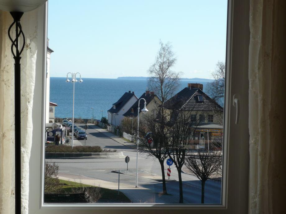 Meerblick - Blick aus dem Fenster zum Meer