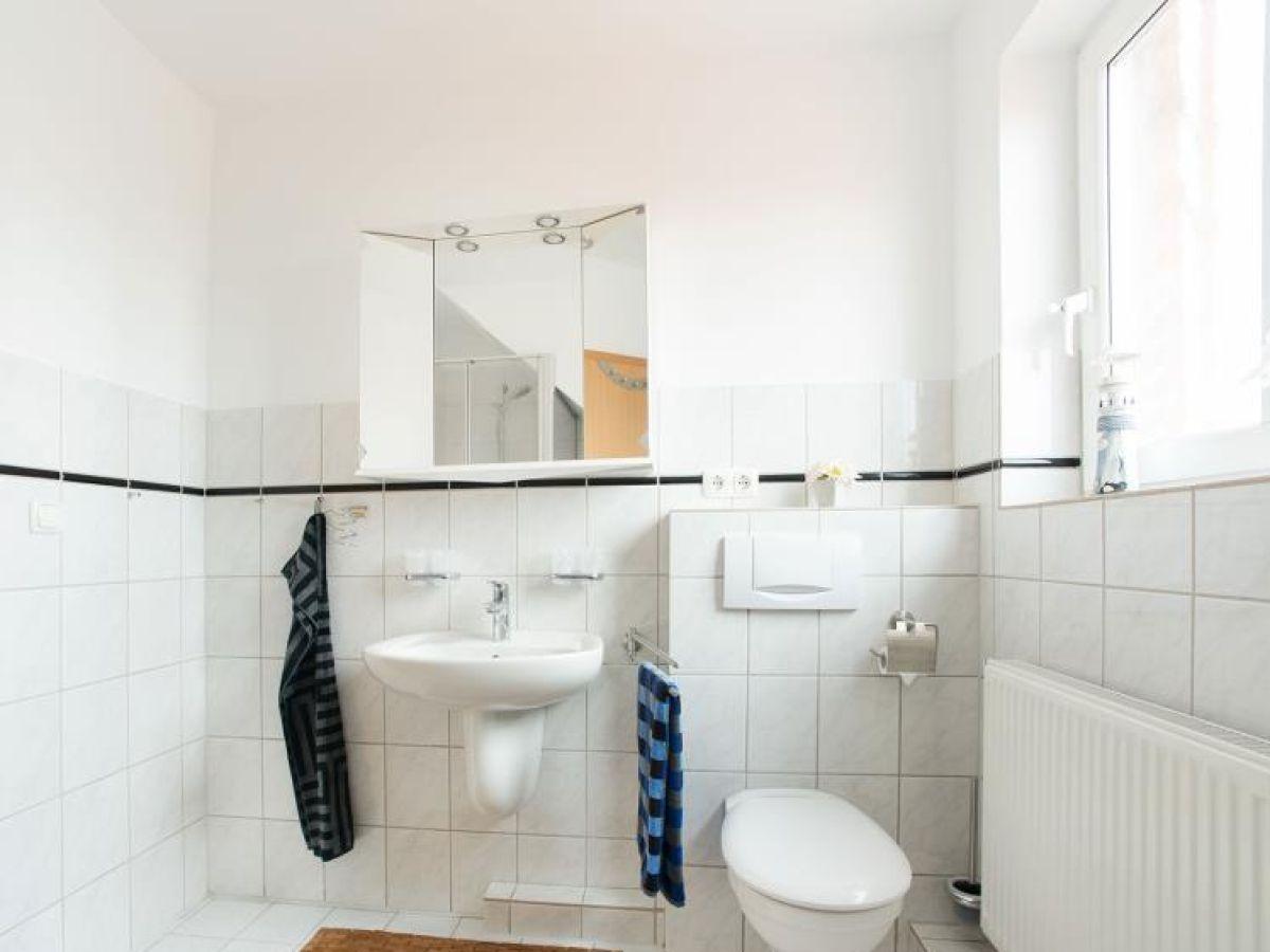 54 ferienwohnung im fritz bleyl weg 14 og links burg auf fehmarn firma ferienhausvermittlung. Black Bedroom Furniture Sets. Home Design Ideas