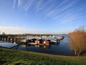 Hausboot Woonark de Bijland