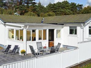 Ferienhaus Årnäshalvön / Åskloster, Haus-Nr: 77090