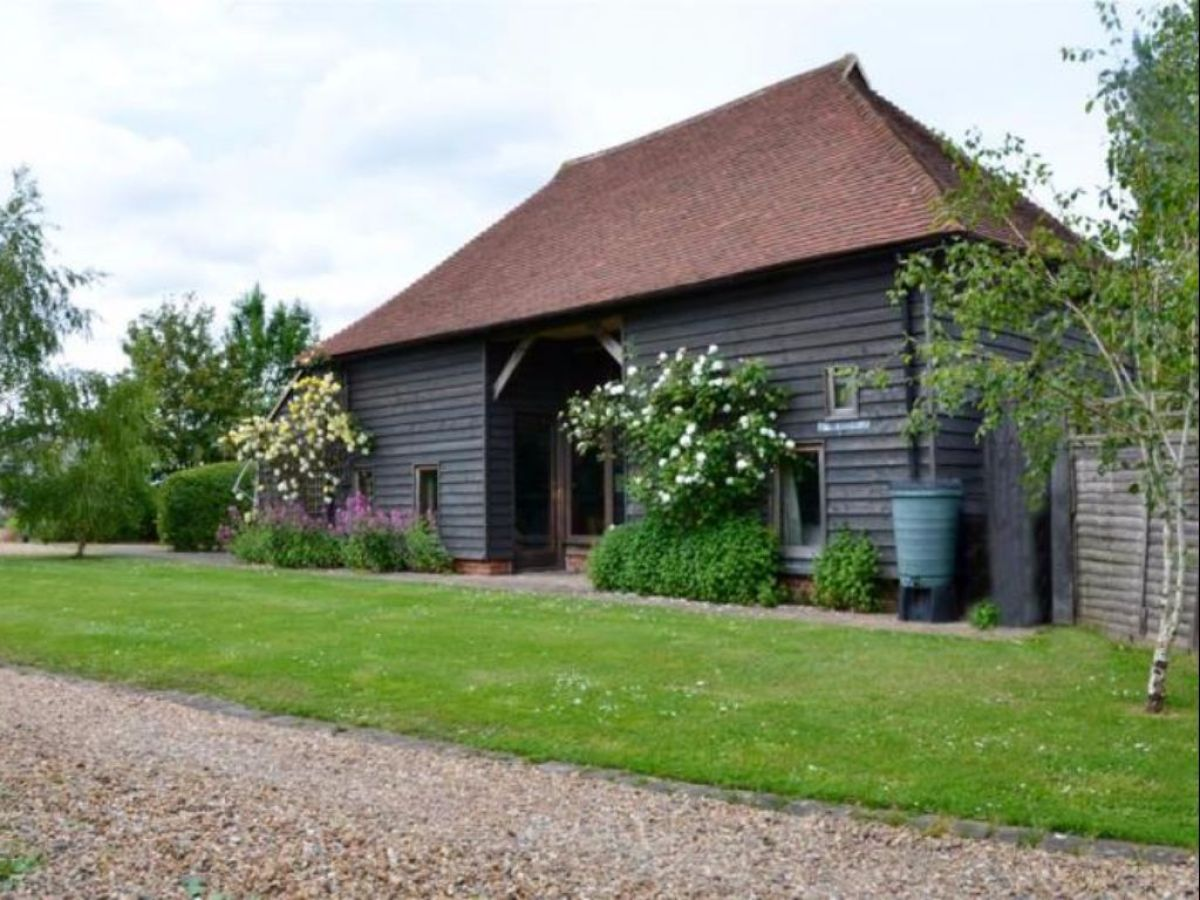cottage the hop barn kent firma stays bookings ltd mr daniel hadden. Black Bedroom Furniture Sets. Home Design Ideas