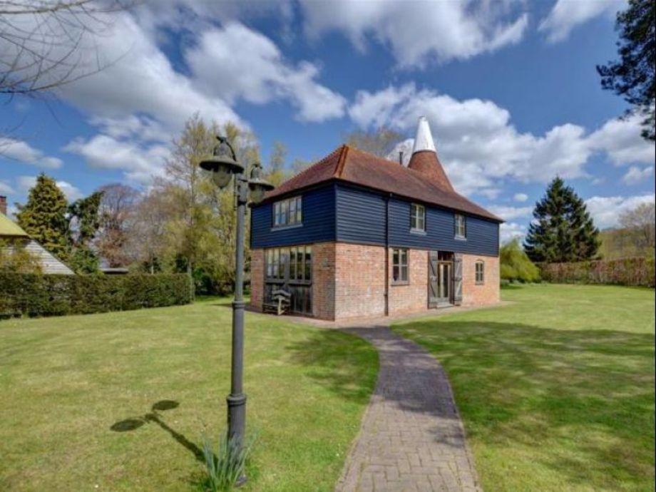 Cottage Kings Bank Oast