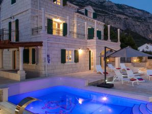 Villa Vikki, Pearls of Makarska