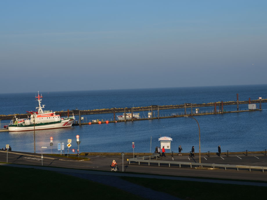 ferienwohnung k pt 39 n cux im haus nordseeblick cuxhaven mit panoramaseesicht auf nordsee u elbe. Black Bedroom Furniture Sets. Home Design Ideas