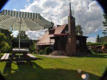Ferienhaus Drewniany Dom z Podgrzewanym Basenem i Sauną Jezioro Ostrzyckie