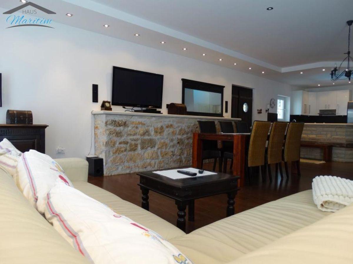 villa palma medaki sv lovrec istrien kroatien firma haus maritim frau natascha vasilj. Black Bedroom Furniture Sets. Home Design Ideas
