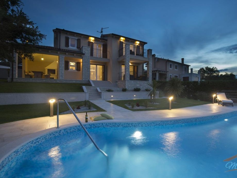 Villa Lili am Abend