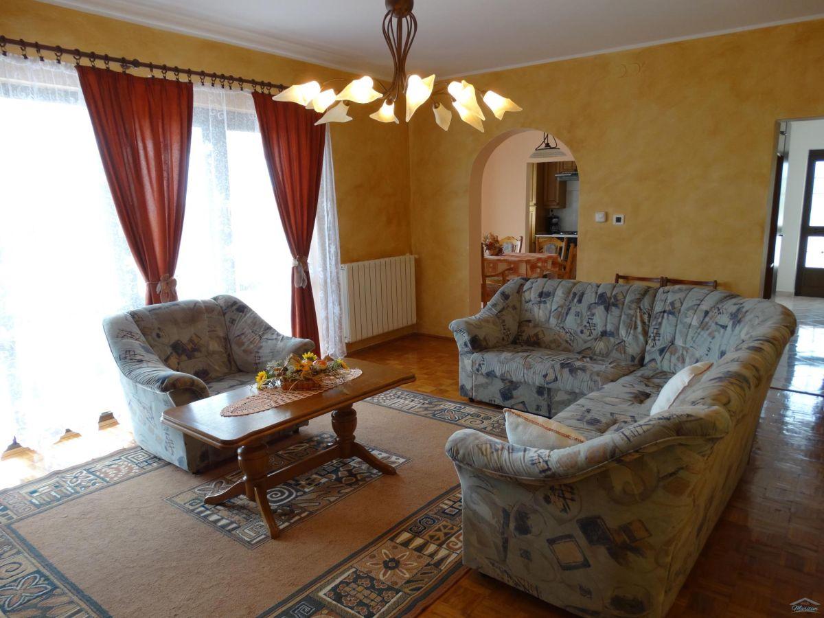 ferienhaus liljana anzici visnjan istrien firma haus. Black Bedroom Furniture Sets. Home Design Ideas