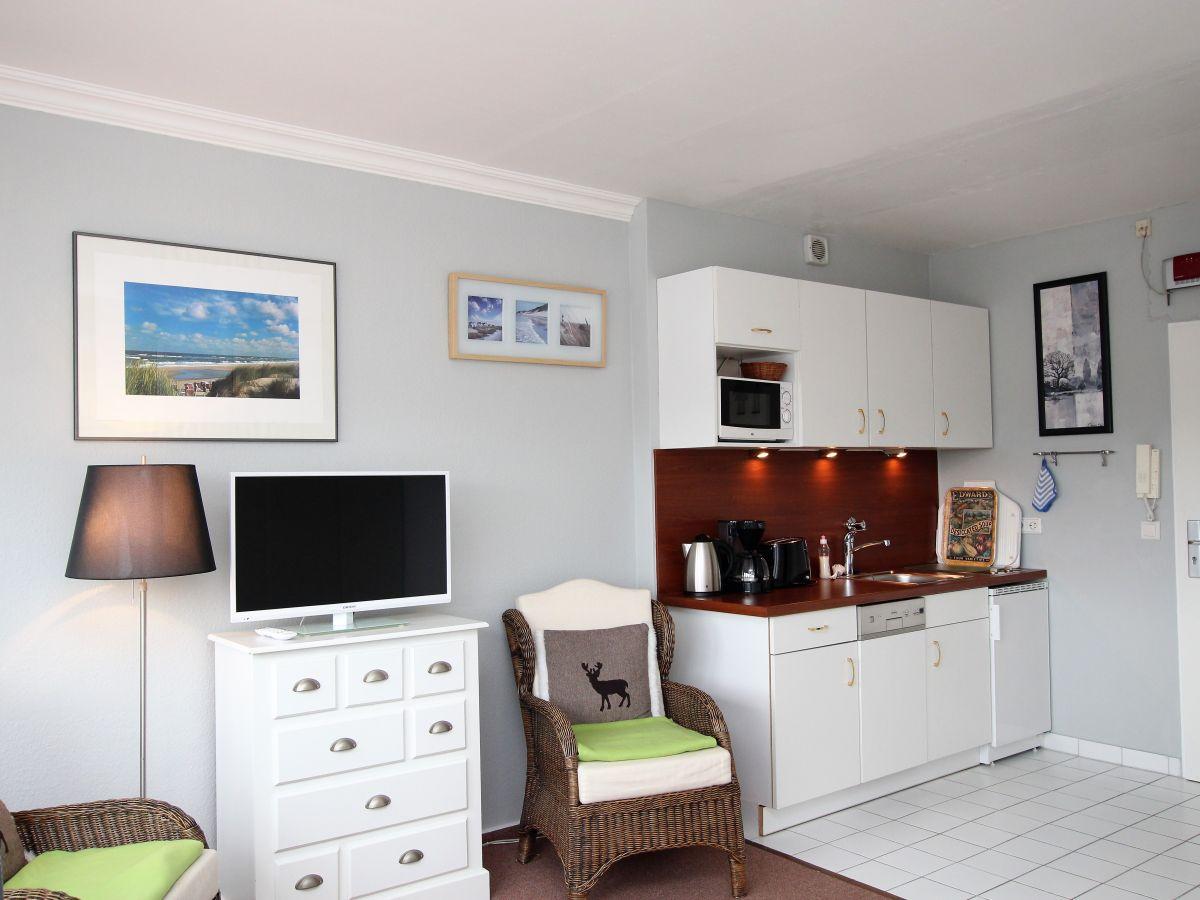apartment m ller 05 o westerland firma hussmann immobilien handel und ferienwohnungen frau. Black Bedroom Furniture Sets. Home Design Ideas