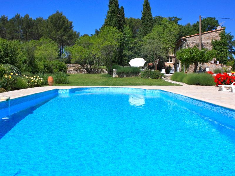 Privates Ferienhaus aus Naturstein, ruhig und mit großem Pool
