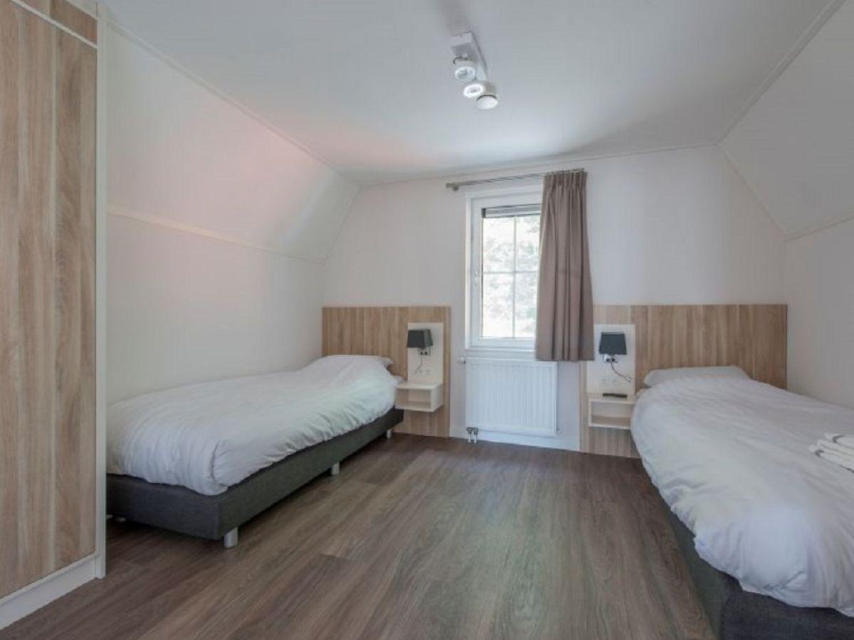 Villa zeeland strand walcheren veere firma govilla for Moderne einzelbetten