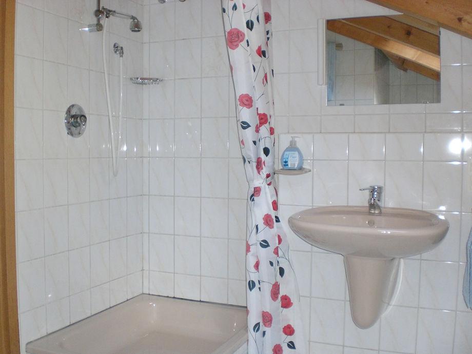 ferienwohnung exklusives dachstudio im landhausstil garmisch partenkirchen zugspitze bayern. Black Bedroom Furniture Sets. Home Design Ideas