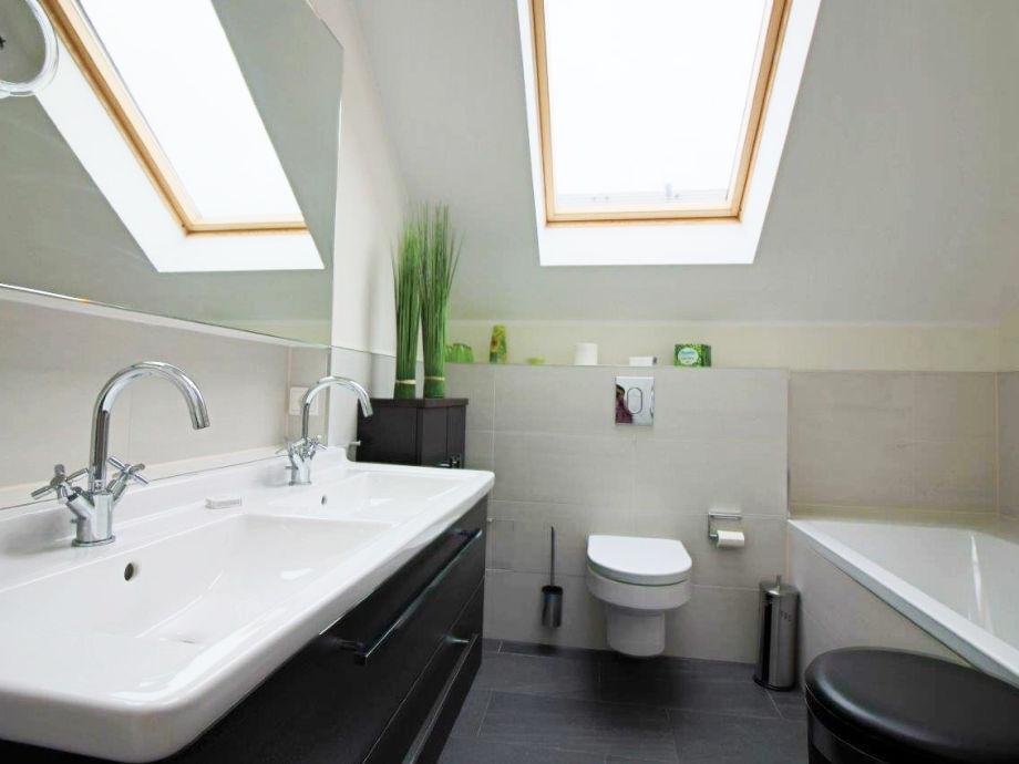 ferienhaus erste reihe 29a ostsee heiligenhafen frau. Black Bedroom Furniture Sets. Home Design Ideas