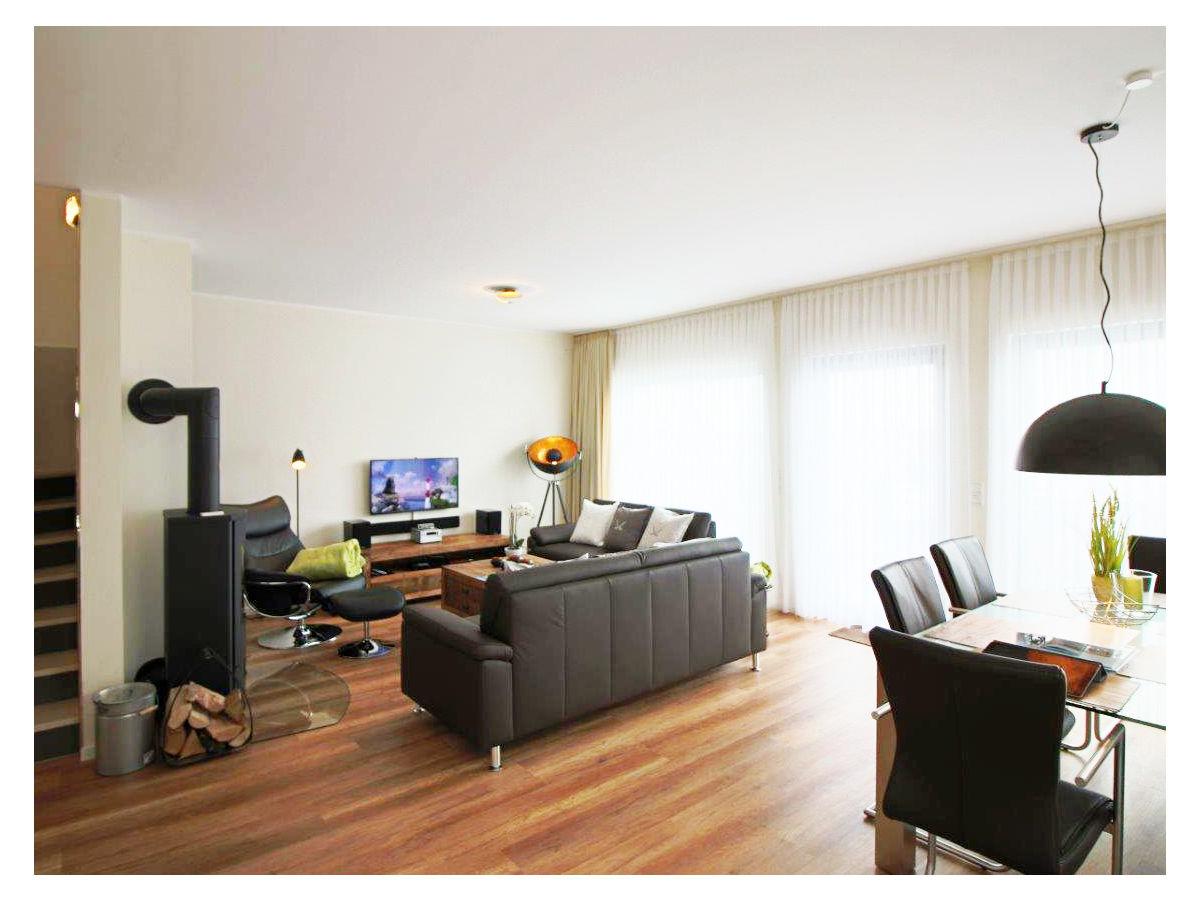 ferienhaus erste reihe 29a ostsee heiligenhafen frau doris cuylits. Black Bedroom Furniture Sets. Home Design Ideas