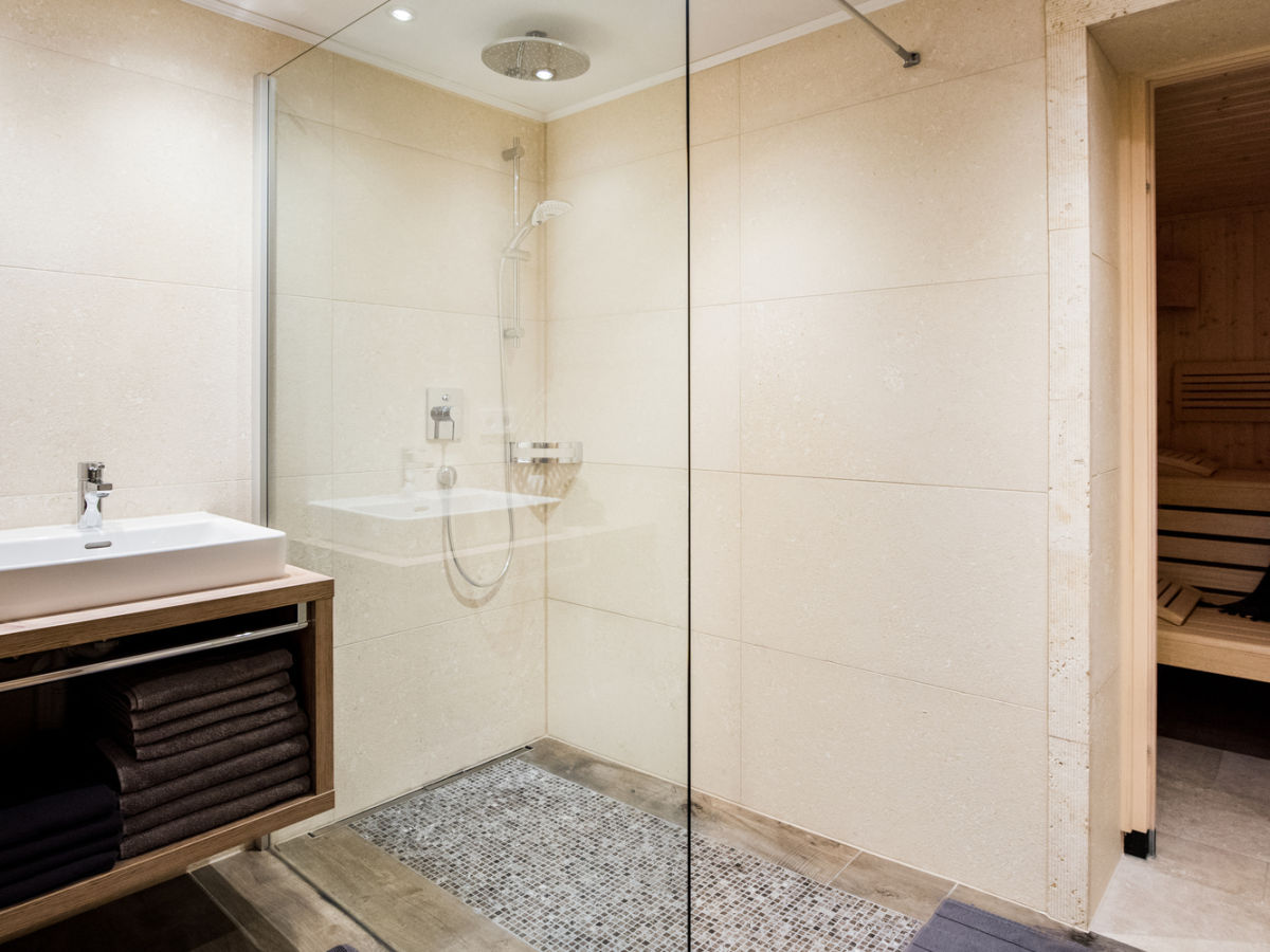 apartment biberkopf de luxe warth frau katarina drexel. Black Bedroom Furniture Sets. Home Design Ideas