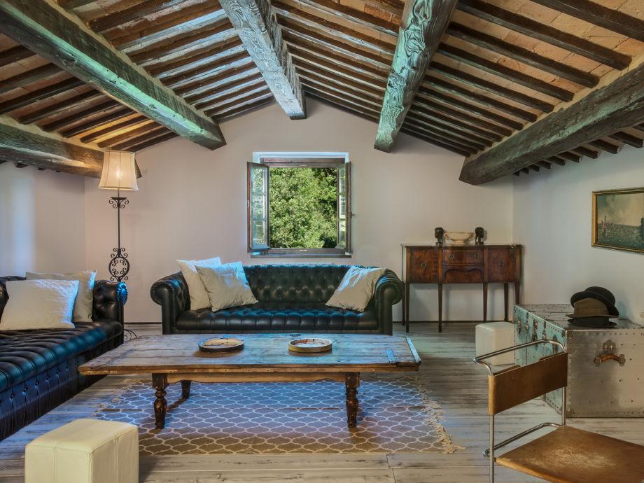 Levante - living room