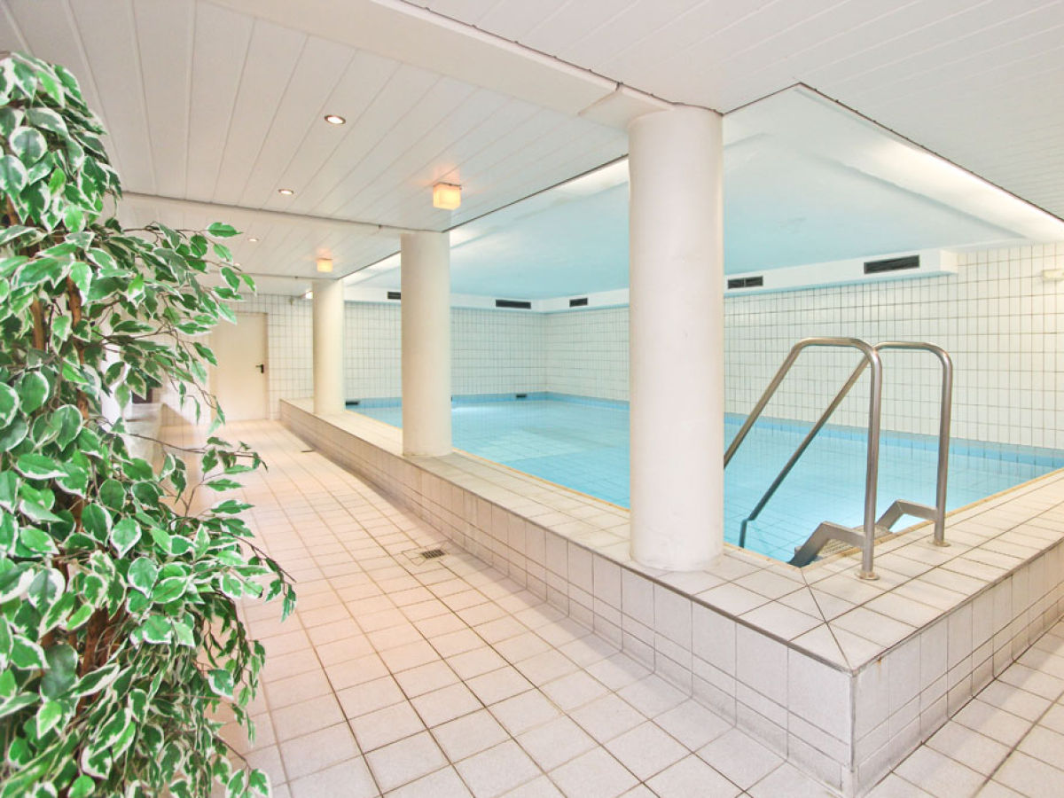 schwimmbad im keller besuchen privates schwimmbad ralf drdelmann schwimmbad freibad. Black Bedroom Furniture Sets. Home Design Ideas