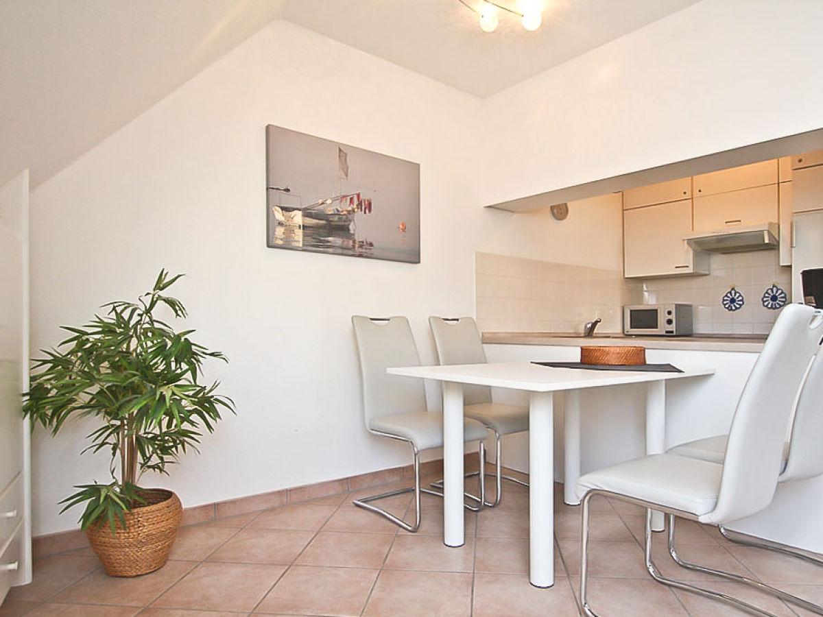 ferienwohnung atlanta 6 ostsee niendorf firma b bs. Black Bedroom Furniture Sets. Home Design Ideas