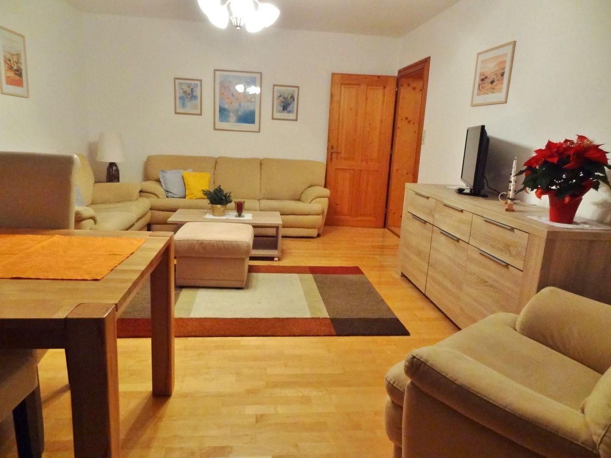 Ferienwohnung frenner salzburger saalachtal land for Wohnzimmer mit esstisch