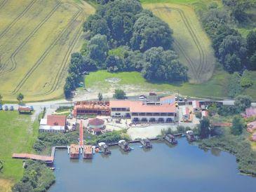 """""""Schwimmendes"""" Ferienhaus auf dem Mühlensee"""