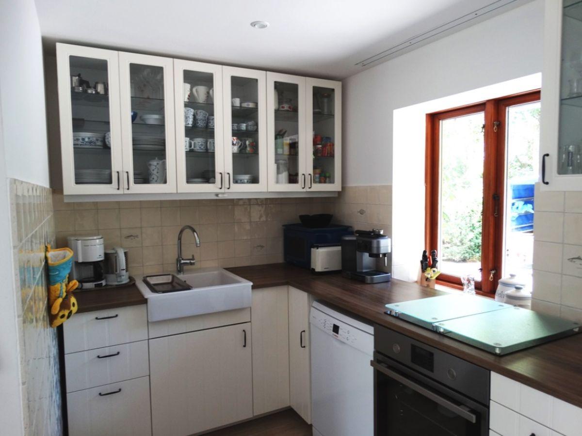 Ferienhaus lutt grachtenhus friedrichstadt frau for Moderne landhausküche