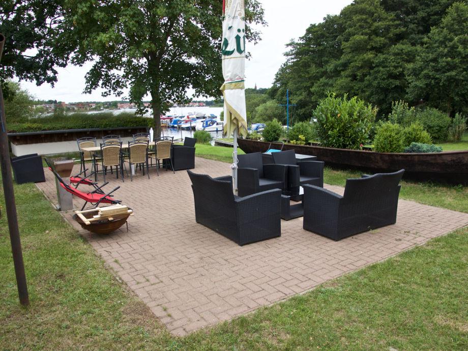 ferienwohnung alter fischerhof 2 mecklenburgische seenplatte firma bootsvermietung. Black Bedroom Furniture Sets. Home Design Ideas