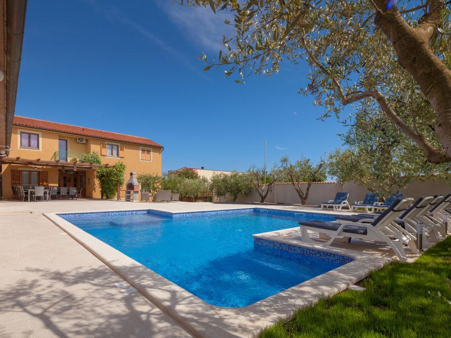 Large 50 m2 pool