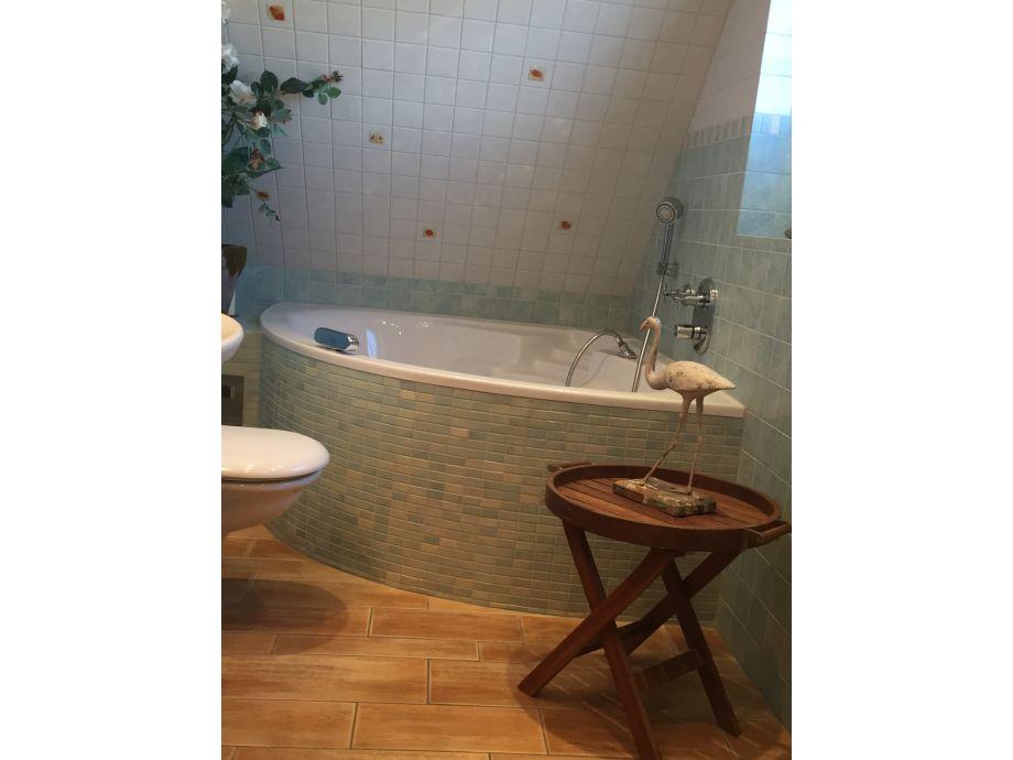 Luxusbad Geschlossene Kabine Mit Whirlpool Angebot. Badezimmer