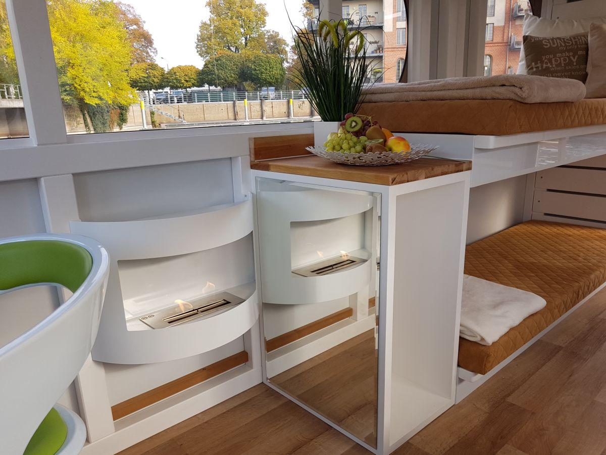 hausboot rollyboot brandenburger seenplatte havelland firma rollyboot frau marion hanisch. Black Bedroom Furniture Sets. Home Design Ideas