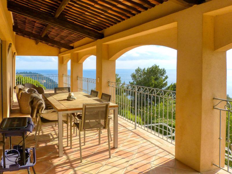Villa mit Meerblick und Pool in Le Rayol-Canadel