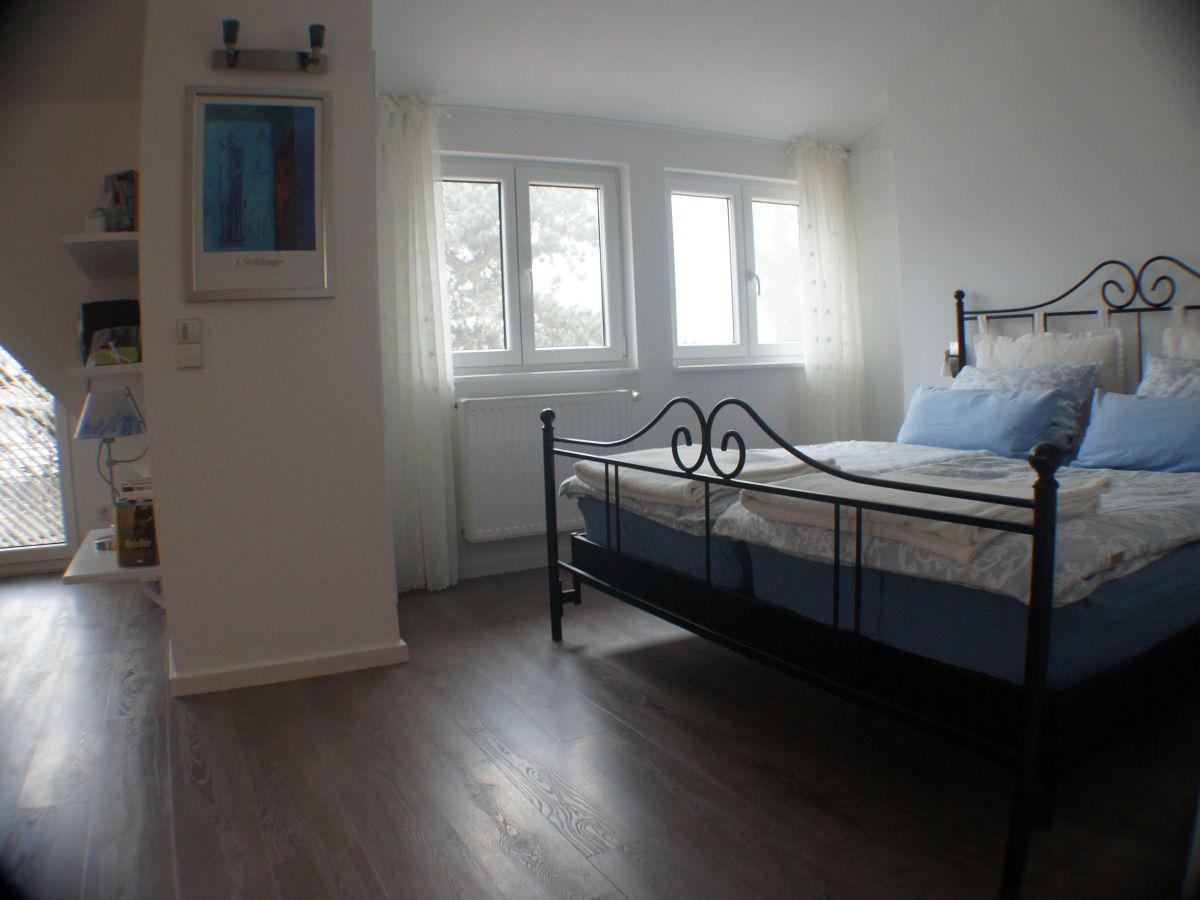 ferienhaus rosenrot schwarzwald kaiserstuhl frau. Black Bedroom Furniture Sets. Home Design Ideas