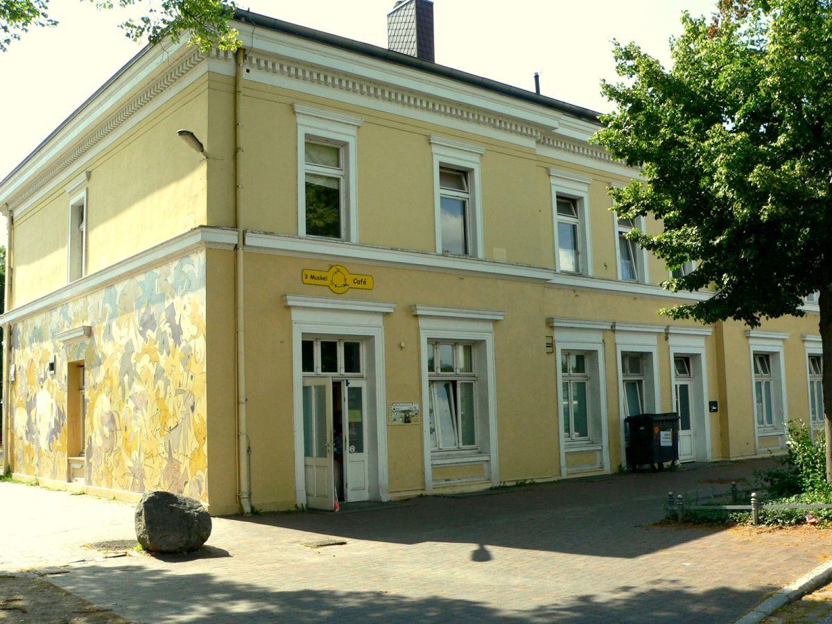 ferienwohnung karlsson im bhf ratzeburg herzogtum lauenburg firma erlebnisbahn ratzeburg firma. Black Bedroom Furniture Sets. Home Design Ideas