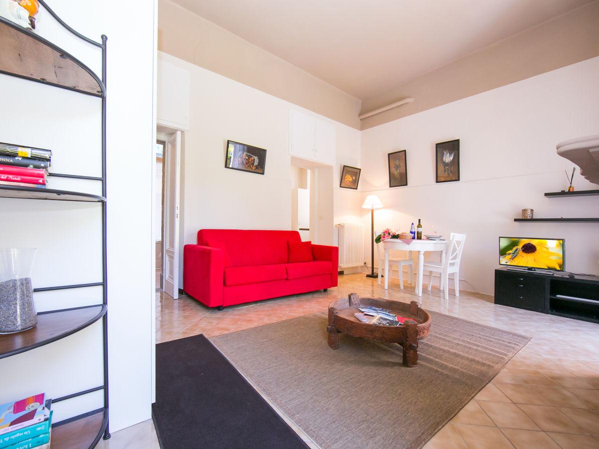 apartment in der villa anna giardino 1866 comer see tremezzo firma lake como holiday. Black Bedroom Furniture Sets. Home Design Ideas
