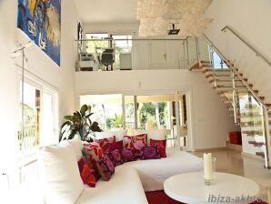 Villa 168, stadtnah und mit Meerblick